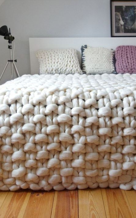 Super Easy Yarn DIYs That Require Zero Knitting White Room Interiors: 35+ Design Ideas for the Color of Light