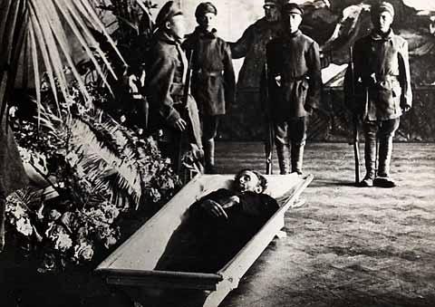 Mosc de la Revolucin La vida de John Reed en Mosc y su tumba en el Kremlin