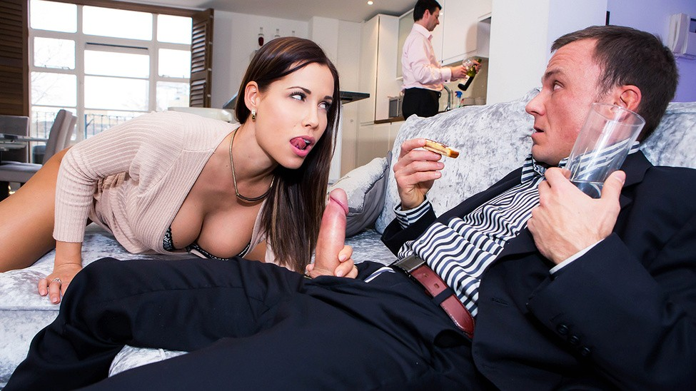 двое жарят жену боса