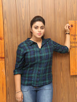 Poorna stylish at Jayammu Nischayambu ra movie event-cover-photo