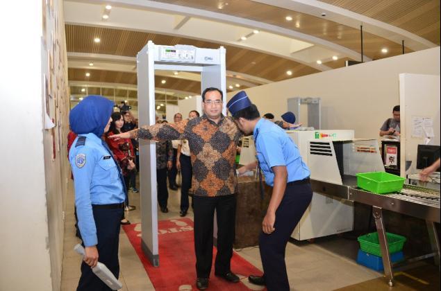 security / sistem keamanan bandara