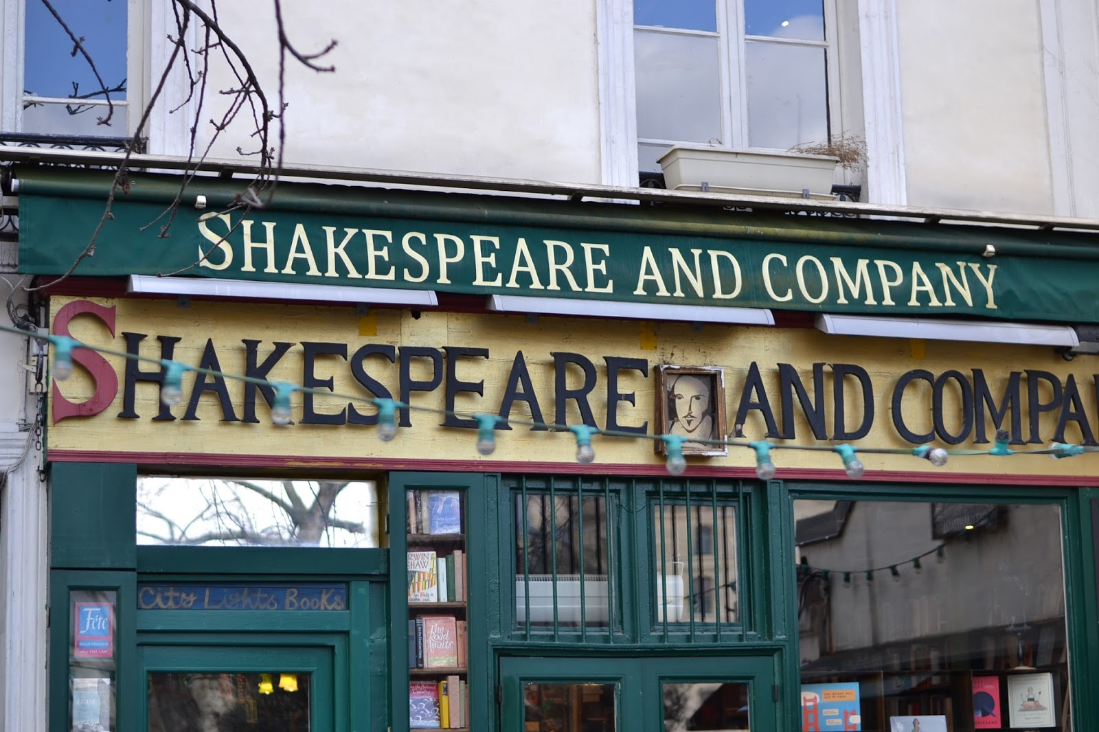 Paris shopping Shakespeare & Co