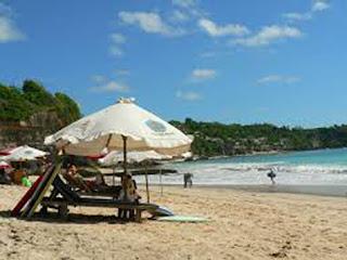 Keindahan Pantai Dreamland, Bali