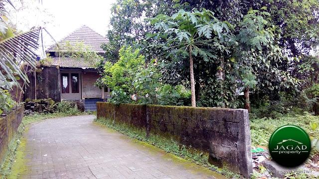 Tanah Hook belakang Hotel Hyat