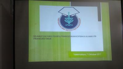 Rapat pembentukan Koperasi Alumni IPB Priangan Timur di Tasikmalaya.