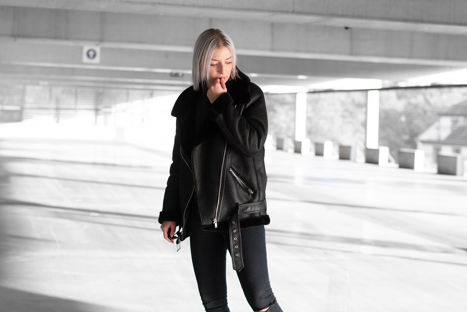 Sacha shoes, na-kd, biker boots, shearling coat, all black, minimal outfit, street style, 2019, trends, win free shoes