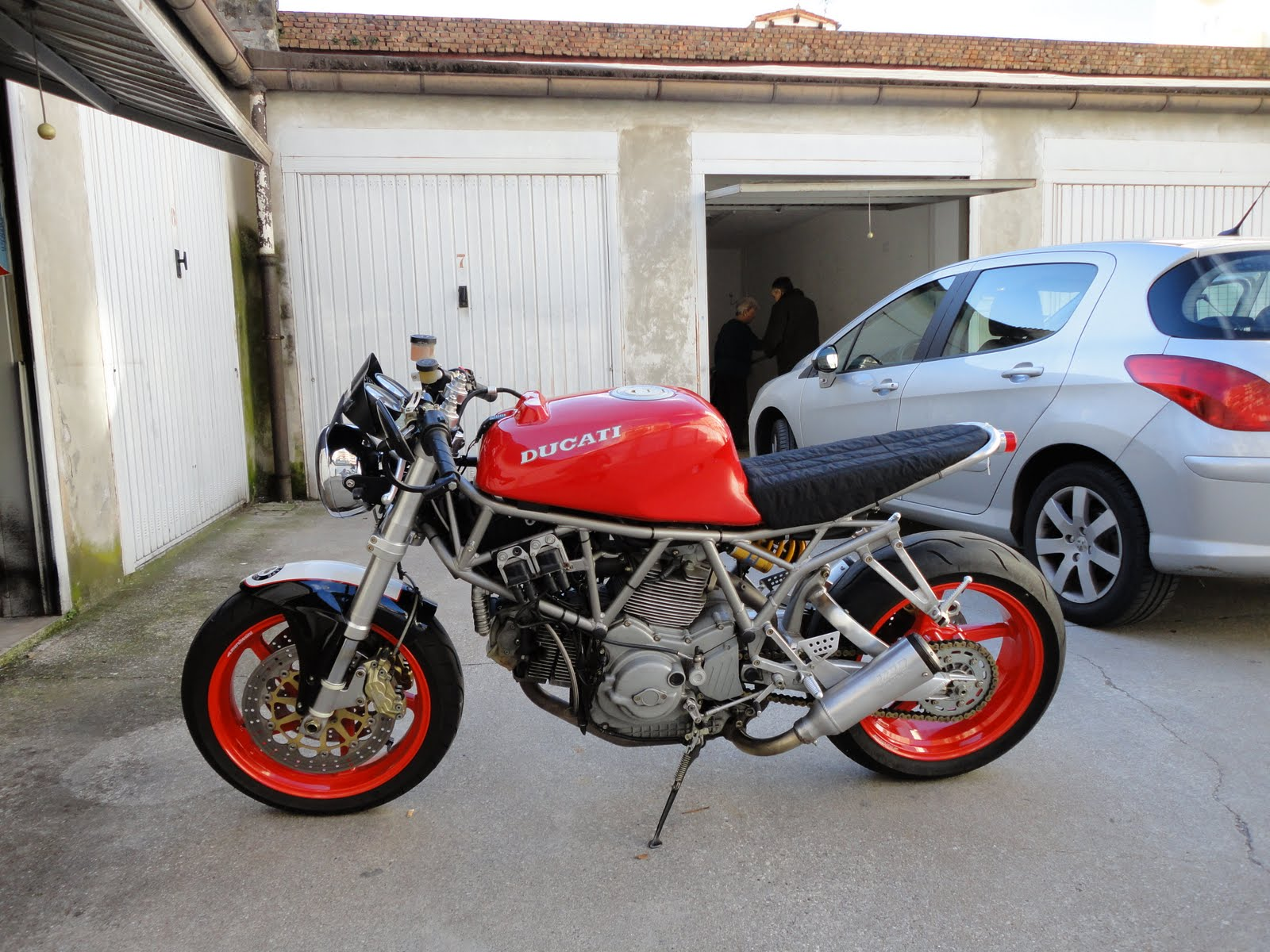 Old School Garage Ducatisti Gr Hellenic Ducati Community Προβολή