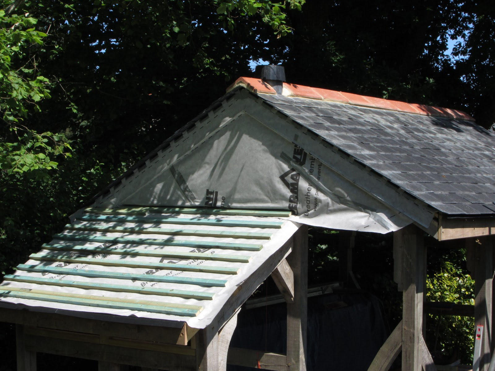 """Building the """"Shed"""": Finishing the extension roof"""