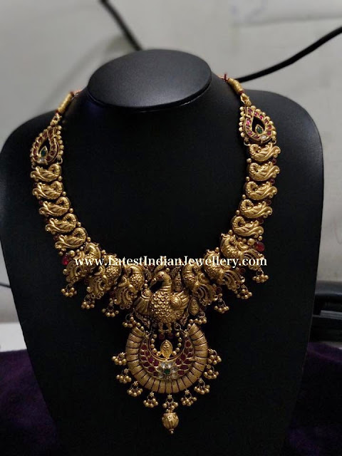 Rich Peacock Motifs Necklace