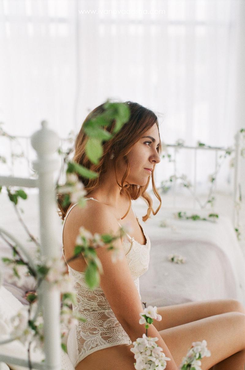 свадебная фотосъемка,свадьба в калуге,фотограф,свадебная фотосъемка в москве,фотограф даша иванова,идеи для свадьбы,образы невесты,фотограф москва,фотосессия невесты,будуарная фотосъемка,пленочная фотография,сборы невесты,файнарт,fine art,нежные сборы невесты