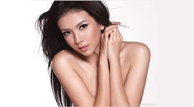 Aksi Dea Rizkita, Finalis Miss Grand International Hanya DIbalut Bikini Seksi