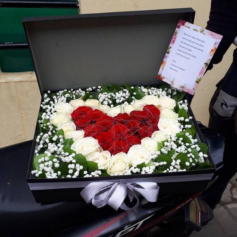 Karangan Bunga Box 018