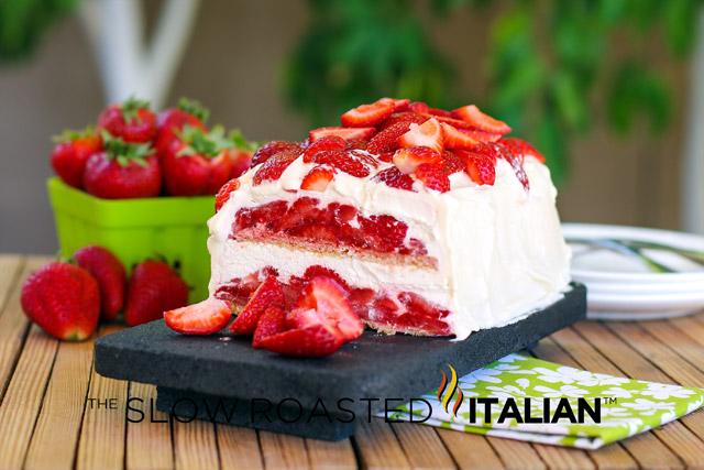 How Do You Make Strawberry Shortcake With Angel Food Cake