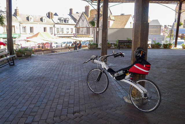 En vélo couché de Paris à la Normandie, Damville