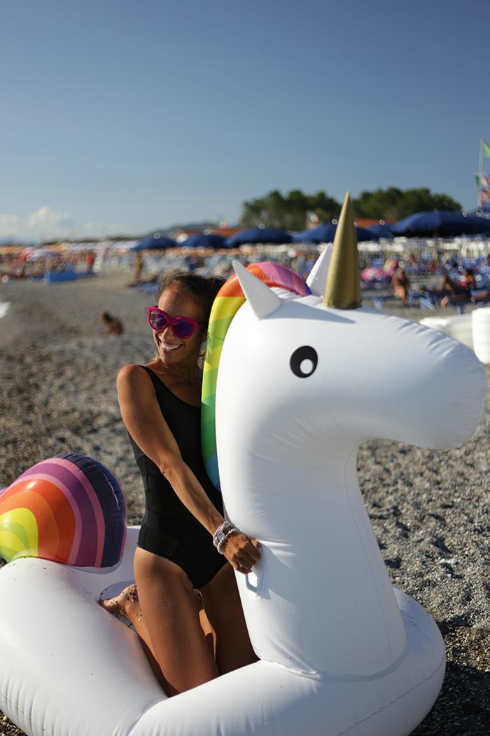 unicorno gonfiabile troppotogo