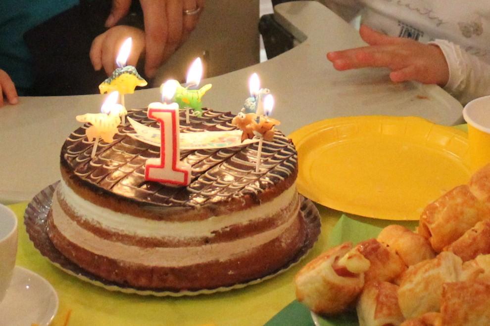 tarta de primer cumpleaños - velas dinosaurio