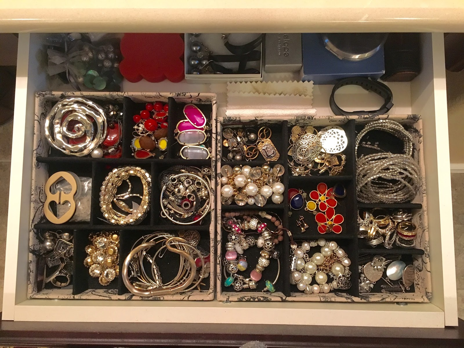 DIY Necklace Display and Sale Alerts