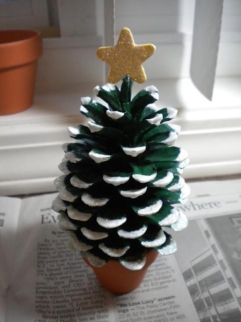 decorazioni natalizie fai da te natale 2016 christmas decoration diy christmas 2016 decorazioni natalizie fatte con pigne colorblock by felym