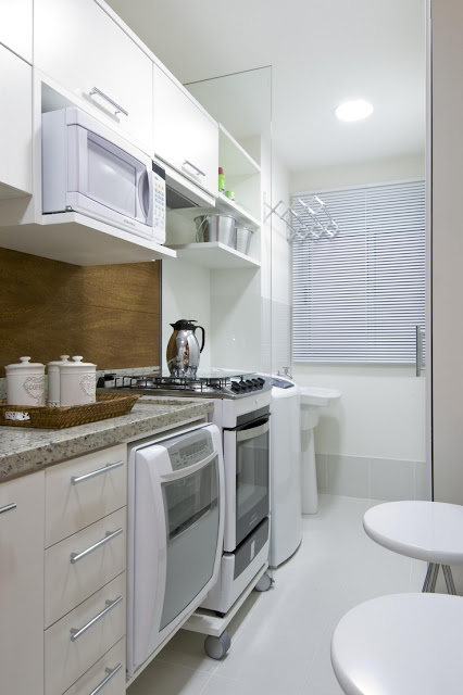 cozinha-e-area-de-serviço-com-porta-de-vidro
