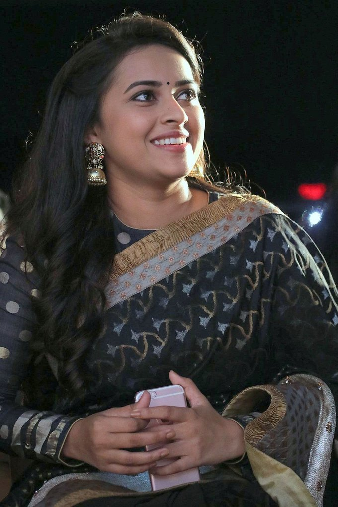 Sri divya Tamil Actress Stills In Black Saree At Audio Release