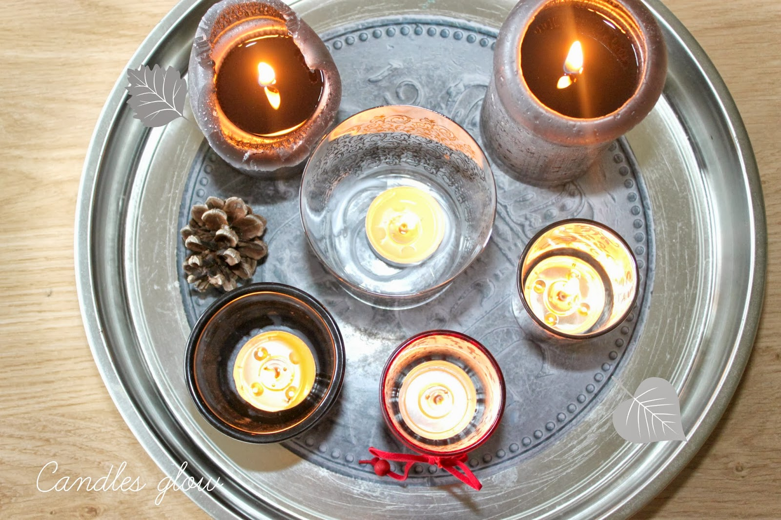 świeczki na tacy