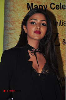 Actress Amala Paul Stills in Black Dress at South Scope Lifestyle Awards 2016 Red Carpet  0013.JPG