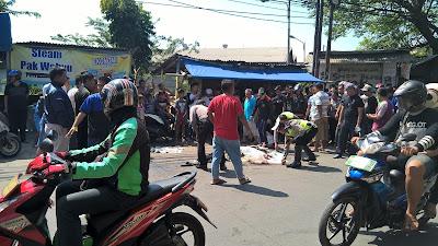 Kecelakaan Lalu Lintas Di Jalan Tipar Cakung Sukapura