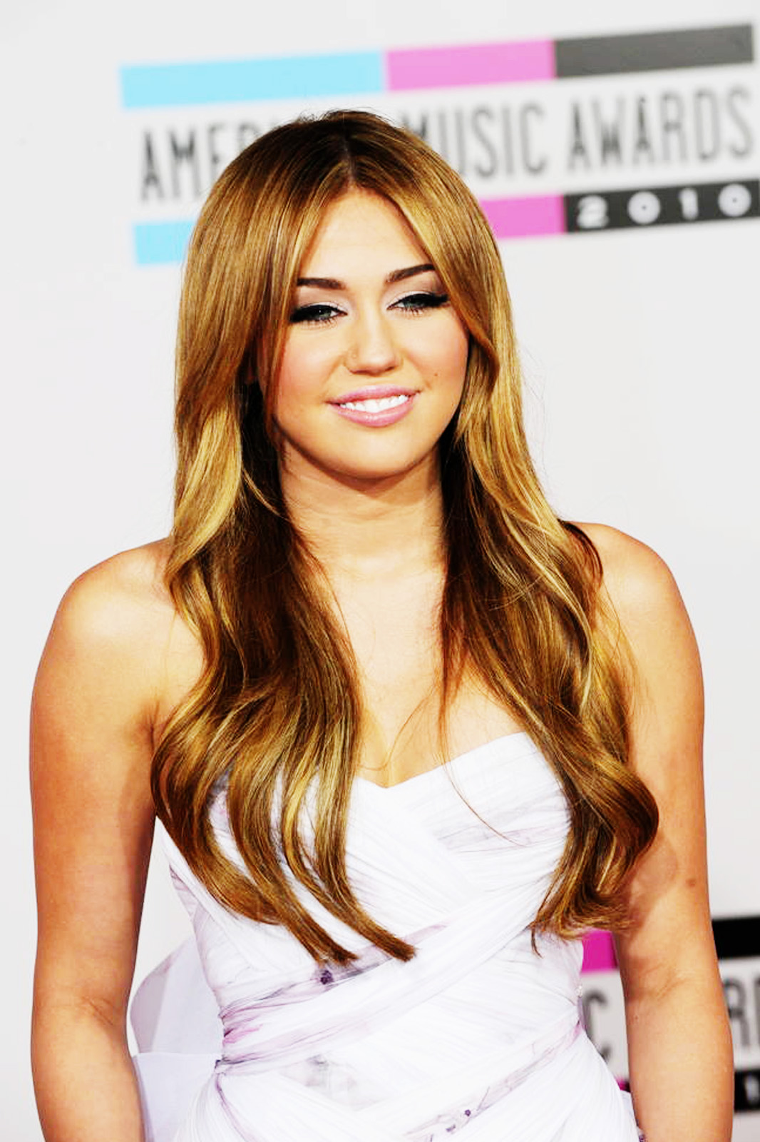 Miley Cyrus Hot Pictures  Miley Cyrus Wallpapers-9288