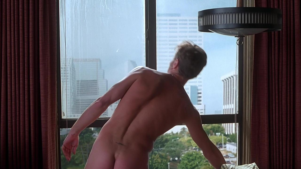 Viggo mortensen plays a gay man in his directorial debut