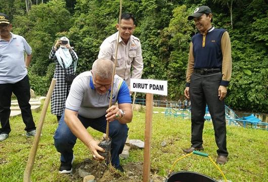 Perayaan Hari Bumi dan Hari Air Sedunia di Padang, PDAM - FT Unand Jalin Mou