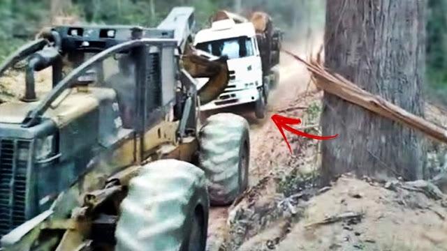 skidder florestal puxando carreta