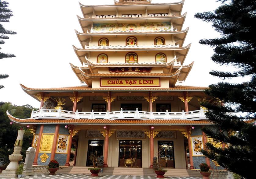 chùa Vạn Linh núi cấm