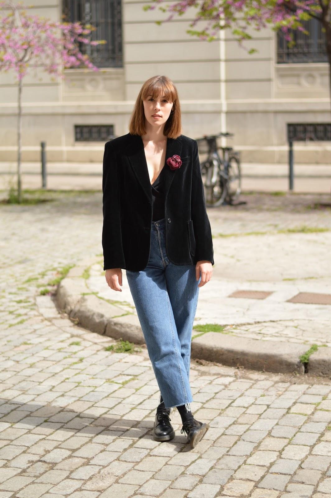 SS16 trends velvet blazer and flower brooch