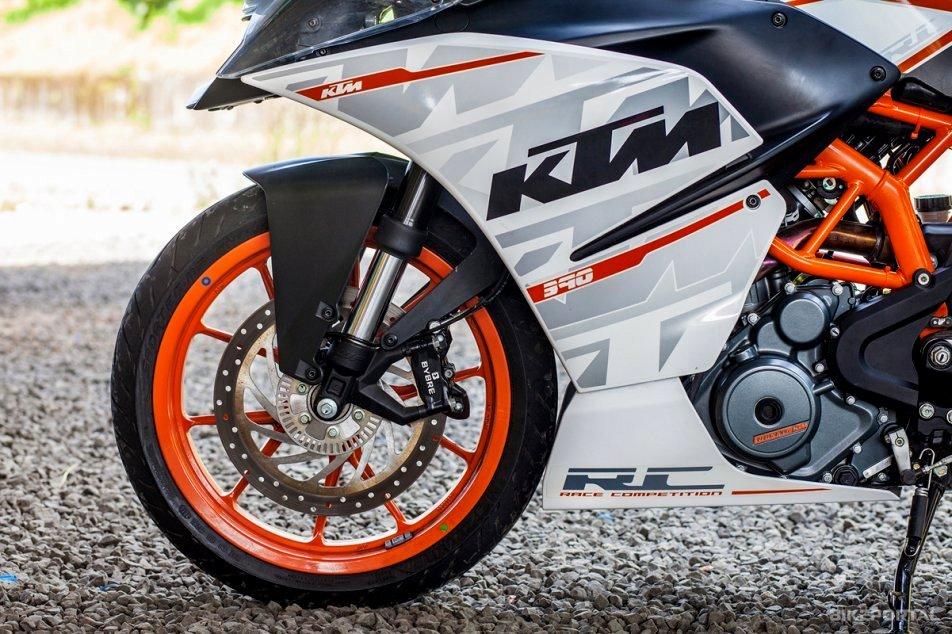 KTM RC390 mendapat update besar-besaran di 2016 . . apa saja updatenya ?
