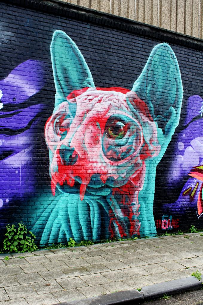 Street Art in Antwerp - The Wayfarer