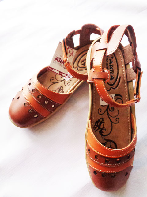 Sepatu Sandal Aura Talincang Online