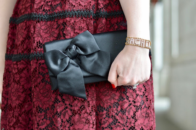 black-clutch-with-bow