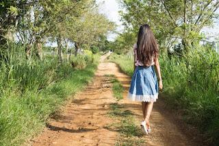 走對路,回到家。走錯路,風景多增加。