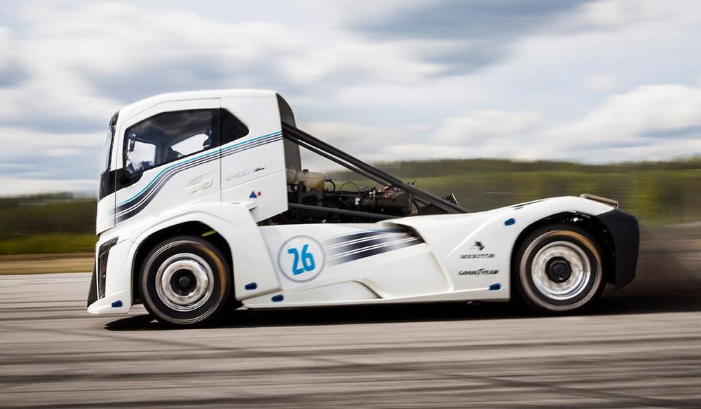 Volvo Kamyonu Hız Rekoru Kırdı