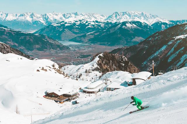 Ski Holliday