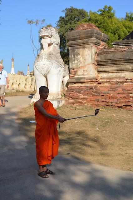 Un moine connecté