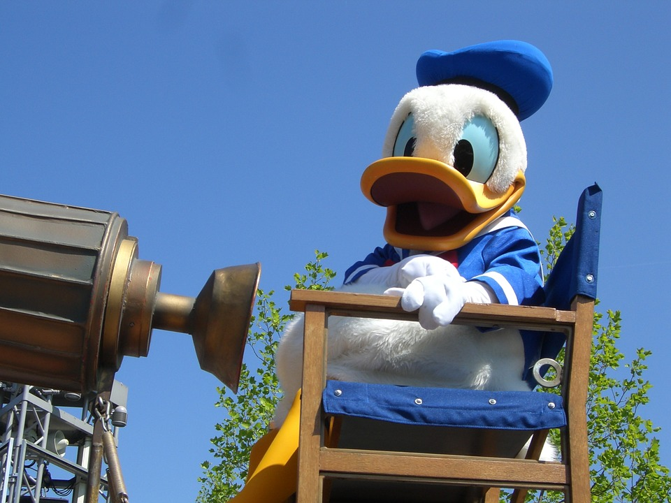 Donald Duck Day: Welcome To The Weekend Blog Hop