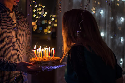 Birthday Greetings - Blow candles
