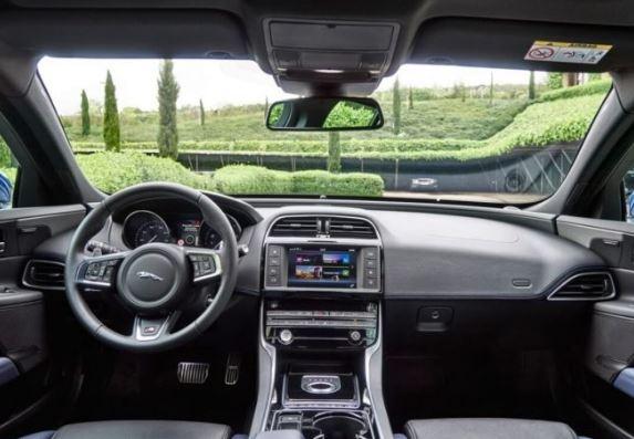 2019 Jaguar XE SVR interior