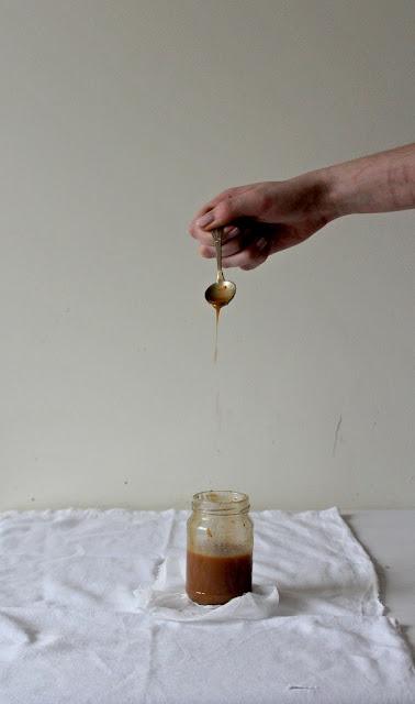 karmel z masłem orzechowym