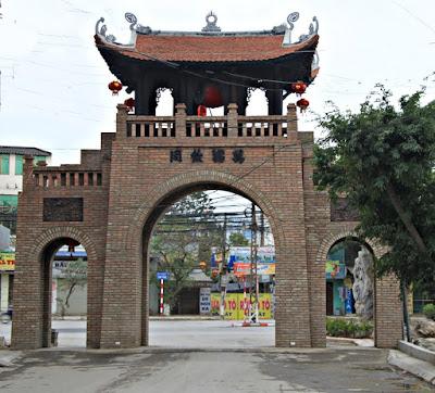 Van Phuc Silk Village - the most ancient silk village and provides the best silk in Vietnam