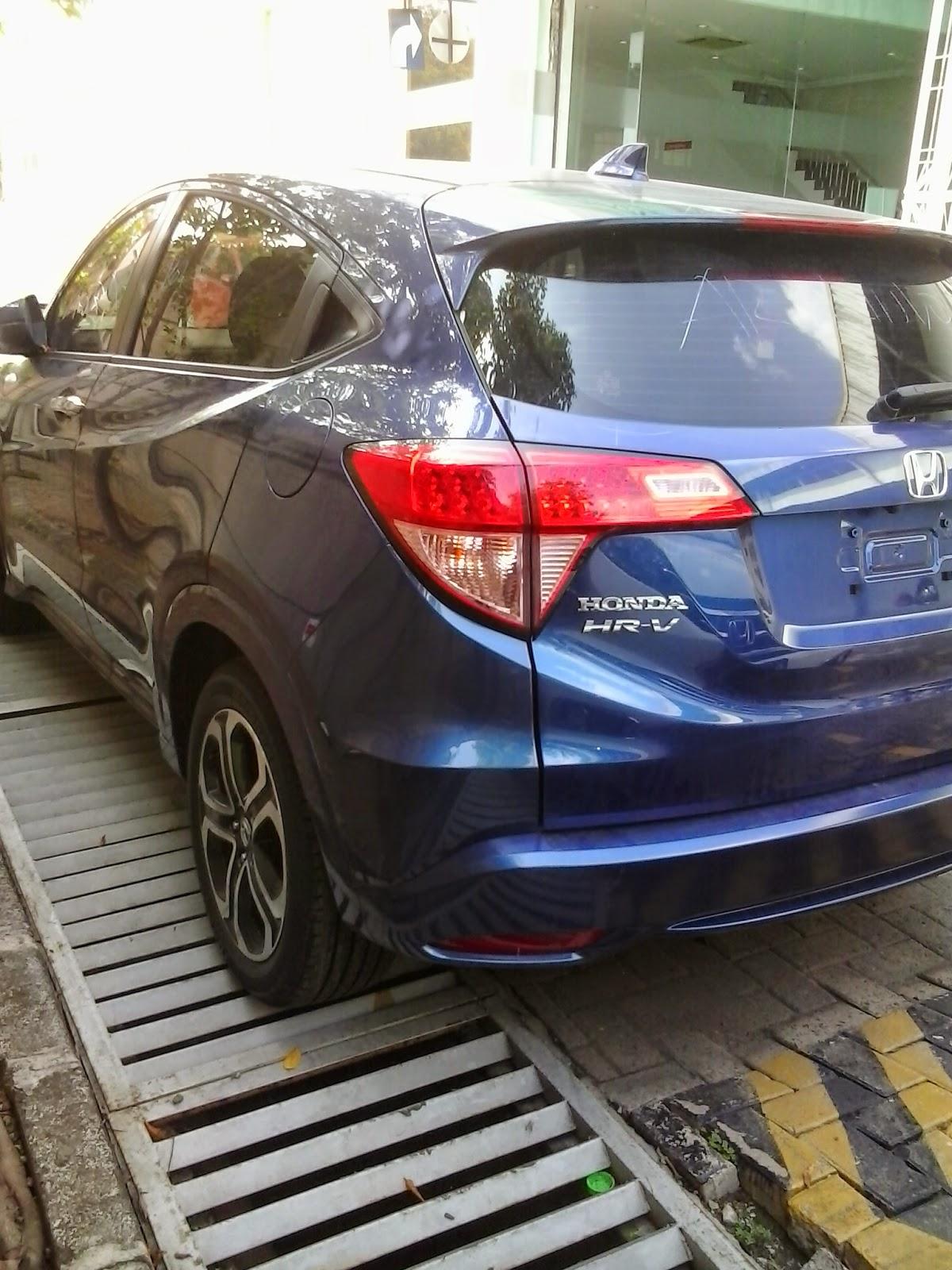 Honda Mobil HRV Ocean Blue Di Dealer Mobil Honda rawa lumbu