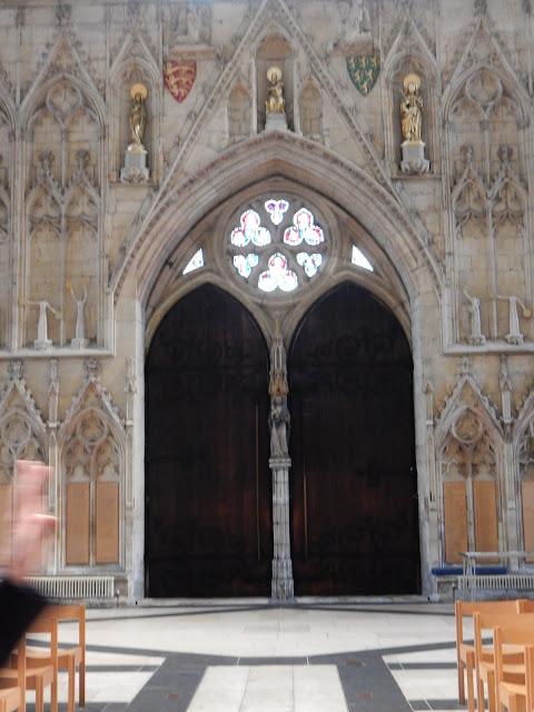 York Minster, Munster, Monasterium, Monasterio, Eboracum, Jorvick, Vitral, Vitraux, Capitular, Rosetón, York, Yorkshire, Bretaña, Inglaterra, England, Elisa N, Blog de Viajes, Lifestyle, Travel