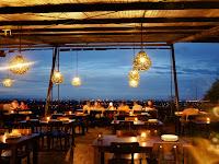 Bukit Gronggong: Bukit Terbaik Untuk Menikmati Pesona Malam Kota Cirebon yang Romantis