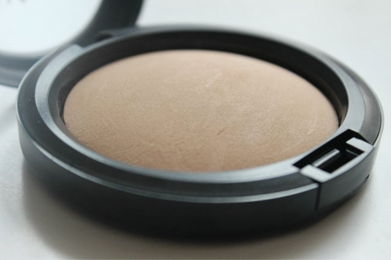Mineralize Skinfinish Natural by MAC #22